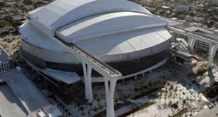 Retractable roof at Marlins Ballpark