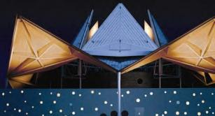 Retractable roof at Starlight Theatre